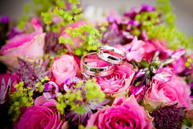 プロポーズ し て くれ ない イライラ